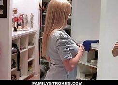 Blonde MILF Sara Star Hardcore Toy Shaking