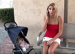 Blonde Cheerleader jizzed in her mouth after fun