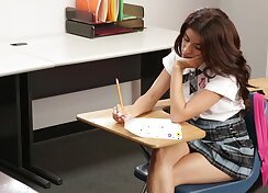 Cutie gets hardcored in the classroom