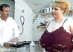BBW Ayesha likes cock sucking