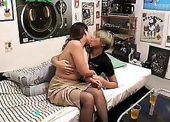 Beautiful big tits hidden webcam